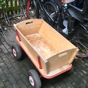 Trækvogn, god men brugt. Kan ses/afhentes på Nørrebro :-)
