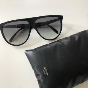 Helt nye Celine solbriller alt med følger ved køb