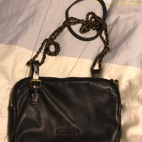 Lækrere taske. Brugt max. 10 gange. Bud fra 300pp