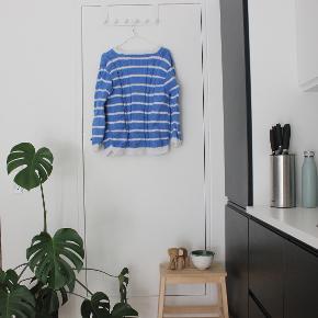 Second hand sweater købt til Vintage Kilo.  Sælger billigt, da alt skal væk - BYD endelig.