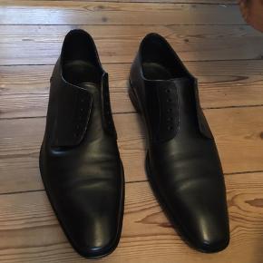 Pæne Hugo boss sko  Brug en enkel aftens de var desværre for små til min kæreste derfor de sælges   Str 40