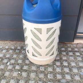 10 kg letvægts gasflaske fyldt og plomberet