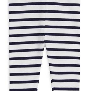 Organic navy striber leggings. Vasket en gang men aldrig brugt.  En str 62/68 men passer også fint en str 50/56 i min mening.