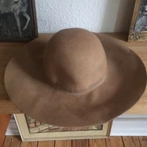 H&m hat 56/m -fast pris -køb 4 annoncer og den billigste er gratis - kan afhentes på Mimersgade 111 - sender gerne hvis du betaler Porto - mødes ikke andre steder - bytter ikke