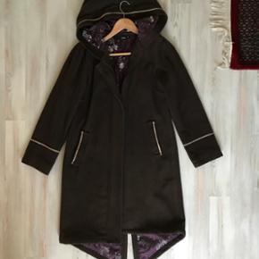 Ofelia jakke brugt få gange str medium