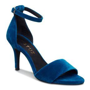 Smukke blå velour sko fra Gestuz i str. 41.  Aldrig brugt :)