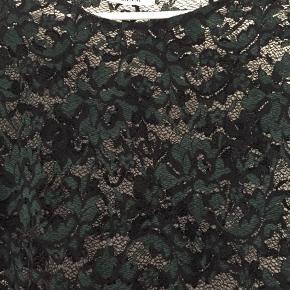 Den smukkeste blonde bluse fra Ganni. Aldrig brugt - kun prøvet på  Bluse Farve: Grøn,Sort