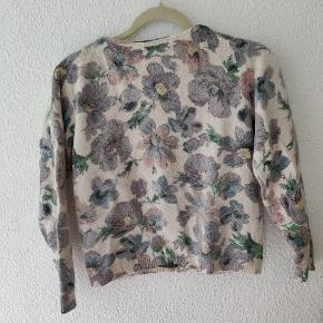 Ganni cardigan Cropped cardigan Print/møster floral Beige, lilla, pink, grøn 40% angora /35 % nylon/ 25% wool  Blød cardigan ❤️  Fejler intet  #Secondchancesummer
