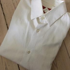 Hugo Boss Skjorte - slim fit - str Small Dobbelt manchet - til manchetknapper  Nypris 1000,-