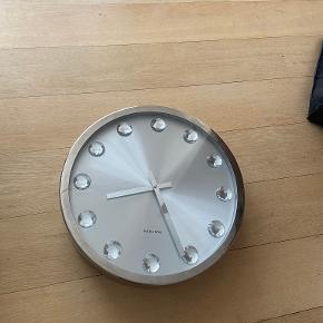 Karlsson ur/vægur