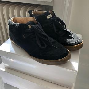 Fine ruskind Ganni Sneakers brugt et par gange. Kan ikke fås længere. Har ingen mp, bare byd. 🧡