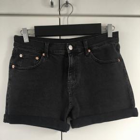 Weekday shorts str. S. Aldrig brugt.