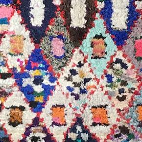 Håndlavet Boucherouite tæppe. Måler 220x140 cm Salgspris 3750kr