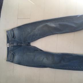 Lækre acne bukser