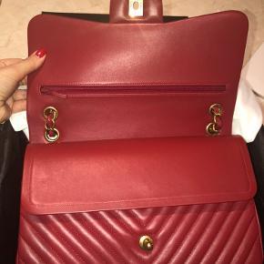 Chanel jumbo Chevron .  Timeless Flap Shoulder bag Dark red lambskin  Gold hardware