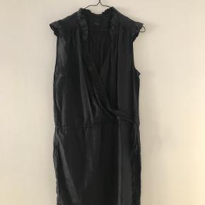 Bllack Noir kjole