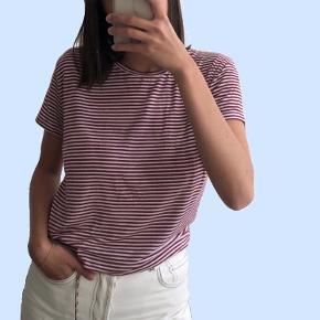 Afslappet T-shirt i lækker blød, kvalitet 🌹 Brugt en enkelt gang