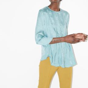 Smuk Sortiono bluse fra By Malene Birger i størrelse 32 🌸 kun brugt en enkel gang og dermed i perfekt stand