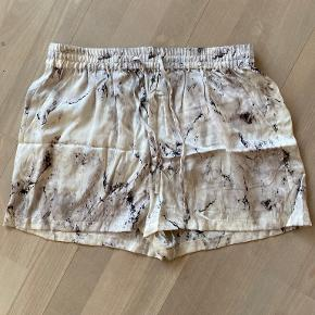 Six Ames shorts