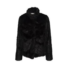 Faxe fur jakke fra Sofie Schnoor   Den er i super fin stand 🙏🏻 Skriv pb for flere billeder og informationer