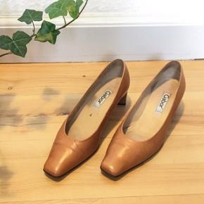 Behagelige sko fra Gabor. Kun været brugt 1 gang.  Se også mine andre varer😊