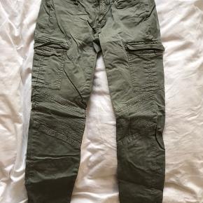 Tommy Hilfiger jeans i str. 34 sælges!