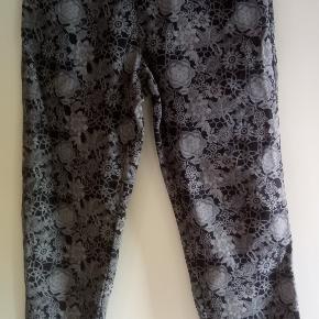 Ny bukser uden tags