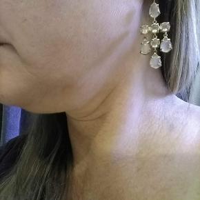 Øreringe fra Carre', de er stemplet med navn og med 925, sterlingsølv forgyldt. Forgyldningen kunne godt trænge til en opfriskning