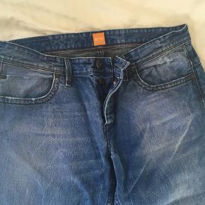 Str 36/34, klassiske jeans. Brugt, men fortsat aldeles brugbare