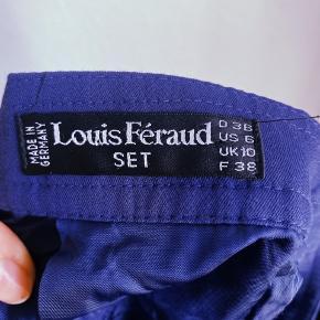 """Louis feraud Mørkeblå Nederdel, med """"guld"""" detalje.   Rigtig fin stand 😊"""