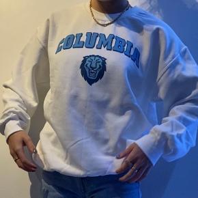 Gildan sweater
