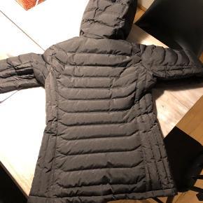 Ski jakke aldrig brugt da den er for lille.