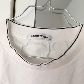 Polo/ tshirt fra lacoste.
