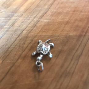 Lille sølv skildpadde  Vedhæng i flot stand