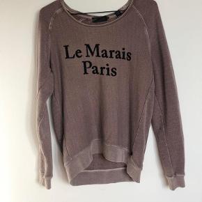 Varetype: trøje Farve: Grå Oprindelig købspris: 2395 kr. Prisen angivet er inklusiv forsendelse.