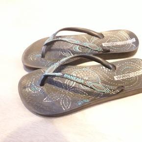 Gode sandaler. Brugt minimalt.