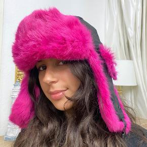 Genuine hat & hue