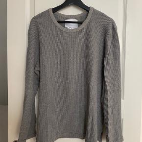 Mfpen sweater
