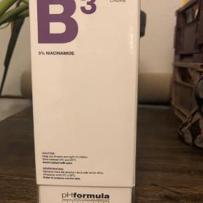 Jeg sælger denne fantastiske PH formula ansigtscreme fra serien VITA. Den hedder B3 creme med 5% niacinamide  DEN ER ALDRIG BRUGT OG ALDRIG ÅBNET