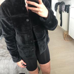 MbyM pels- & skindjakke