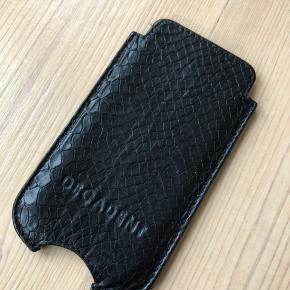 Fint lædercover / sleeve fra decadent til iPhone 5 / 5s /SE. Rigtig fin stand uden slid, pletter eller mærker.
