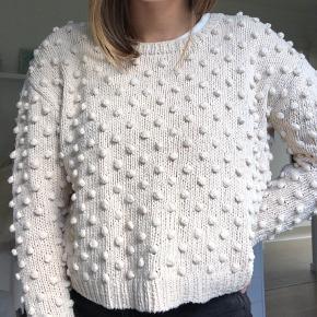 Super fin pom pom sweater fra Ganni - brugt få gange