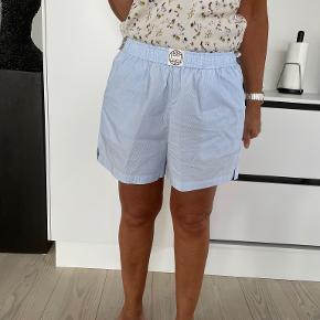 Levete shorts