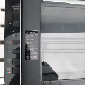 Epson stylist sx110  printer kom med et bud. Ikke wifi.