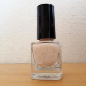 H&M Negle & manicure