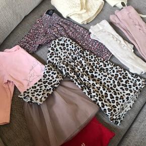 Tøjpakke 10,- stk   Langærmet bluse, 3 kjoler (Sofie Schnoor kjole er gået i syning i bunden, kan sagtens laves), 2 par strømpebukser, strikket cardigan og Joha uldhue