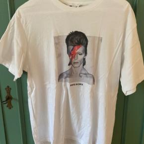 bowie t-shirt! brugt to gange - køber betaler fragt :)