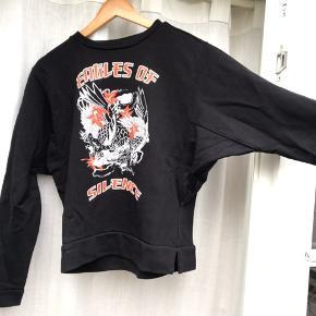 Fed JUST female sweatshirt Str xs Brugt et par gange og fremstår derfor som ny