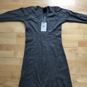 Ny kjole fra InWear. Ny pris 600,- Kjolen har 3kvarte ærmer.