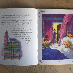 Sælger dette klassiske H.C Andersen eventyr: Prinsessen på ærten, frit genfortalt af Ronne Randalll med tegninger af Anna C. Leplar. Næsten som ny, kommer fra et ikke ryger hjem. Kan afhentes i 2990 Nivå eller sendes mod betaling
